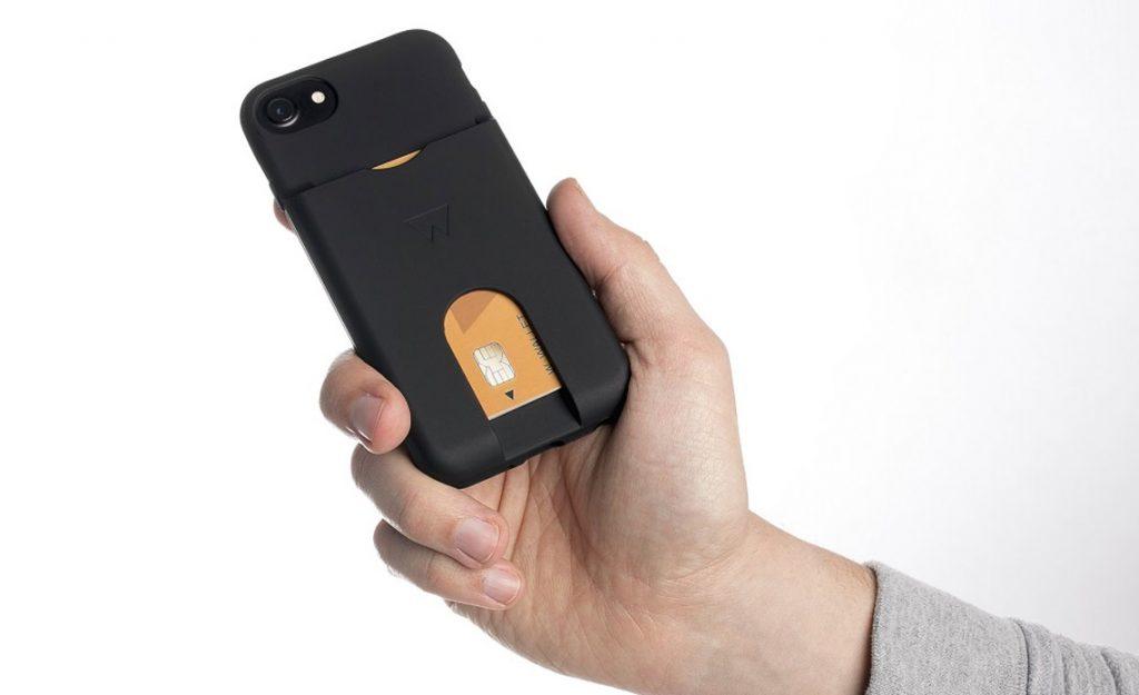 trends: telefoonhoesjes met ruimte voor pasjes
